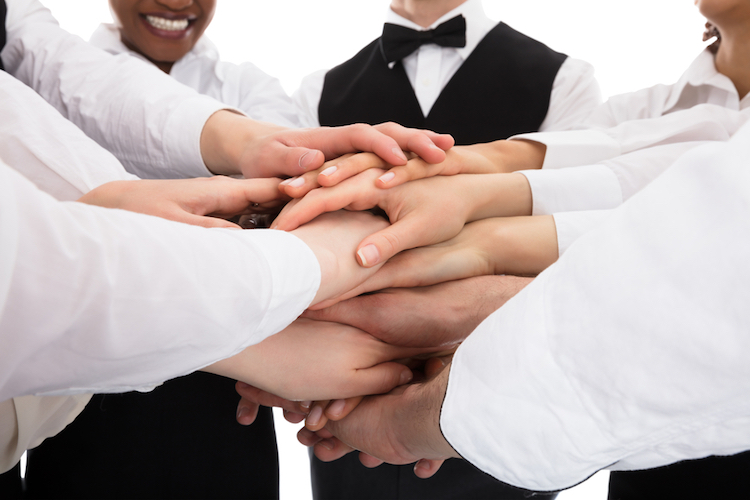 15 Tips To Become A Better Team Player At Work